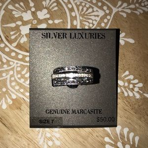 Silver luxuries size 7